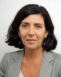"""Helena Gonçalves é Docente da Católica Porto Business School e Coordenadora do curso """"Ética Organizacional: Implementação e gestão"""""""