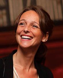 """Maria Palha, psicóloga, consultora de programas de impacto social e autora do livro """"Uma caixa de primeiros socorros das emoções"""""""