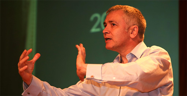 Adrian Sargeant, keynote speaker no 8º Seminário de Fundraising Call to Action e docente na Plymouth Business School