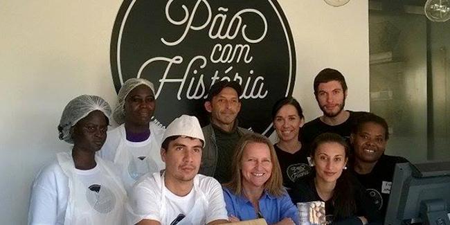 © Pão com História - Kátia Almeida, directora geral da Pressley Ridge e responsável pela padaria Pão com História, com a sua equipa